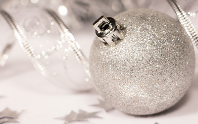 Silver sparkly Christmas bauble wallpaper