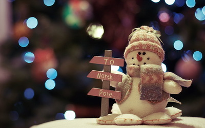 Snowman going to the North Pole wallpaper