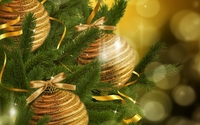 Sparkly golden baubles in the Christmas tree wallpaper 1920x1080 jpg
