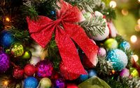 Sparkly red bow in the Christmas tree wallpaper 1920x1200 jpg