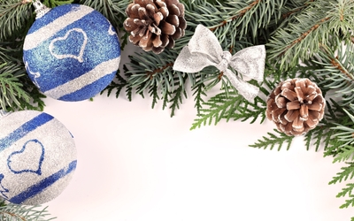 White and blue baubles in the Christmas tree wallpaper