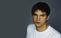 Ashton Kutcher wallpaper 2560x1600 jpg