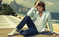 Ashton Kutcher on a terrace wallpaper 2560x1600 jpg