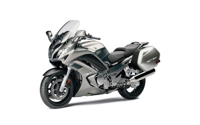 2013 Yamaha FJR1300 wallpaper
