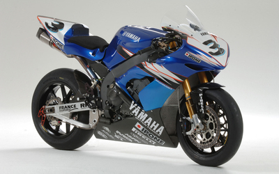 Blue Yamaha YZF-R1 front side view wallpaper
