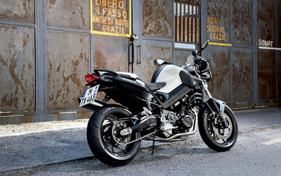 BMW F800R wallpaper