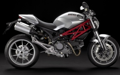 Ducati Monster 1100 EVO wallpaper