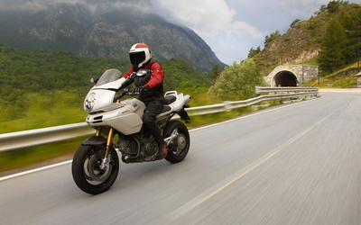 Ducati Multistrada 1100 DS wallpaper
