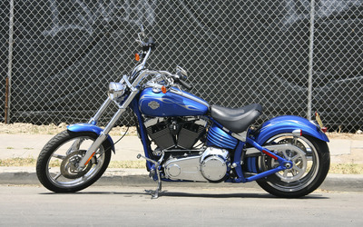 Harley Davidson FXCWC Rocker C Softail [2] wallpaper