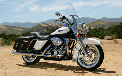 Harley Davidson Road King Classic wallpaper