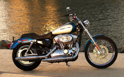 Harley Davidson Sportster XL1200C wallpaper