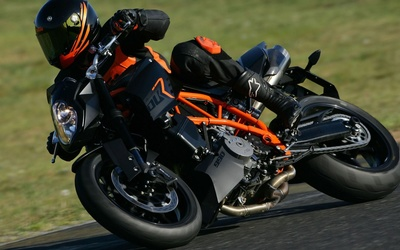 KTM 990 Super Duke R wallpaper