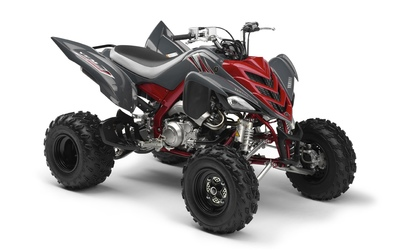 Red Yamaha Raptor 700R front side view wallpaper