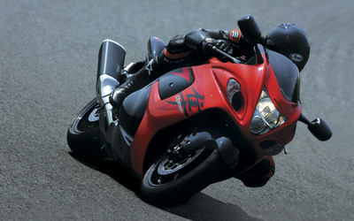Red Suzuki Hayabusa front view during race wallpaper