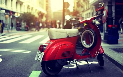Red Vespa wallpaper