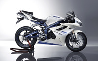 Triumph Daytona 675 [2] wallpaper 2880x1800 jpg