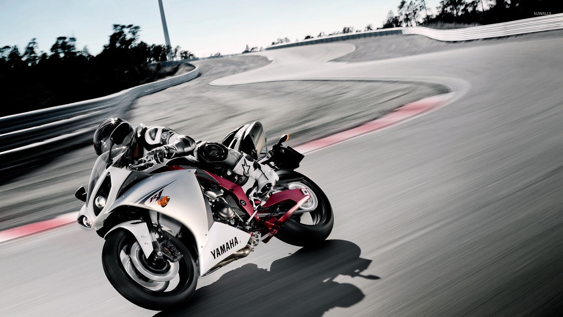 Yamaha Yzf R1 6 Wallpaper Motorcycle Wallpapers 24063