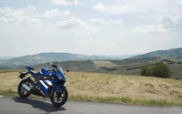 Yamaha YZF-R125 on the side of the road wallpaper 1920x1200 jpg