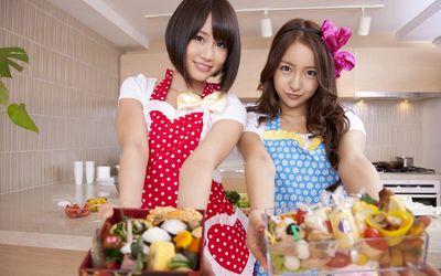 Atsuko Maeda and Tomomi Itano - AKB48 wallpaper