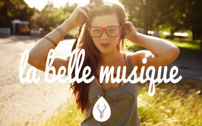 La Belle Musique with a girl in red glasses wallpaper