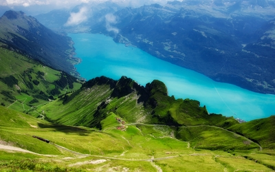 Amazing blue Lake Brienz wallpaper