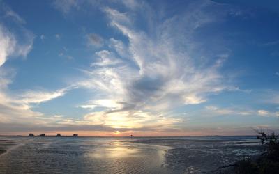 Amazing sunset at the beach wallpaper