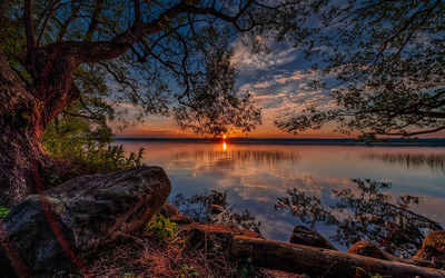 Amazing sunset by the lake wallpaper