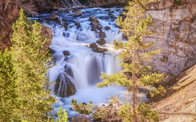 Amazing waterfall in Yellowstone National Park wallpaper