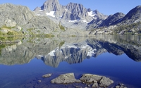 Banner Peak reflected in the lake wallpaper 2560x1600 jpg