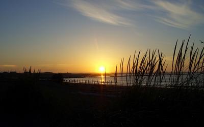 Beautiful sunset by the lake Wallpaper