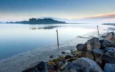 Calm lake at sunset wallpaper