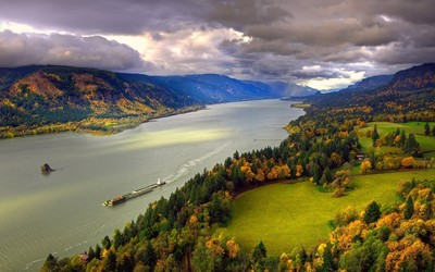 Columbia River wallpaper
