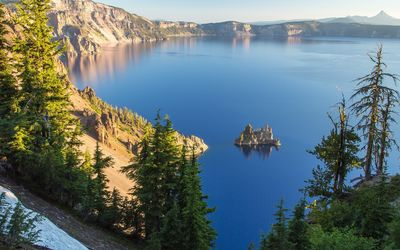 Crater lake, Oregon wallpaper