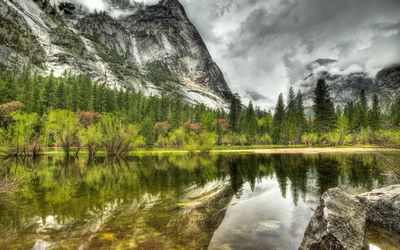 Dark clouds above Yosemite National Park wallpaper