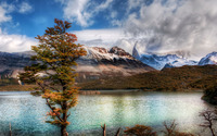 Emerald lake in the Andes mountains wallpaper 2880x1800 jpg