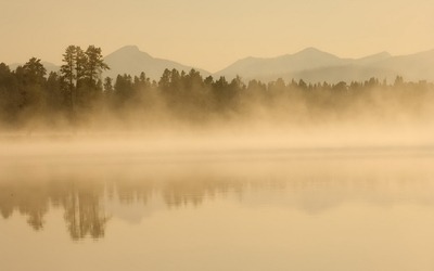 Foggy lake [3] wallpaper