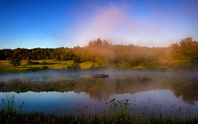 Foggy lake by the autumn forest wallpaper