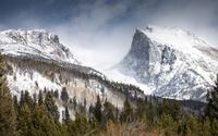 Foggy rocky peaks wallpaper 3840x2160 jpg