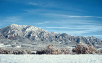 Frosty mountains wallpaper 1920x1200 jpg