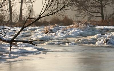 Frozen river [4] wallpaper