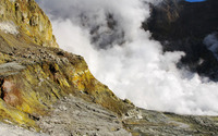 Geyser by the golden cliff wallpaper 3840x2160 jpg