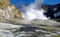 Geyser on the rocky mountain wallpaper 3840x2160 jpg