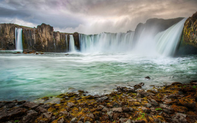 Godafoss waterfall wallpaper