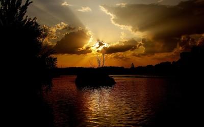 Golden sunset at the lake [2] wallpaper
