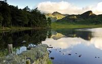 Green hills reflecting in the lake wallpaper 2560x1600 jpg