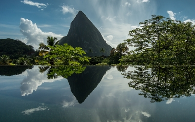 Gros Piton wallpaper