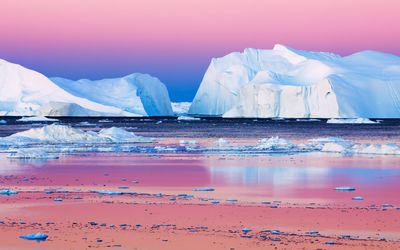 Icebergs in Disko Bay, Greenland wallpaper