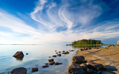 Lake shore wallpaper