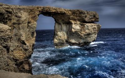 Limestone natural arch on Gozo wallpaper