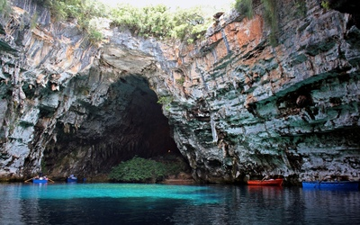 Melissani Cave wallpaper